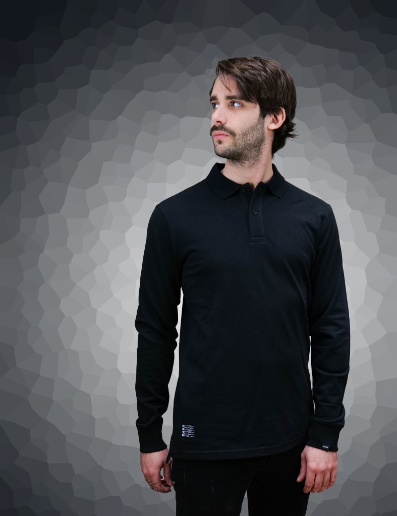 malibu-sleeve-black-front-daniel.jpg
